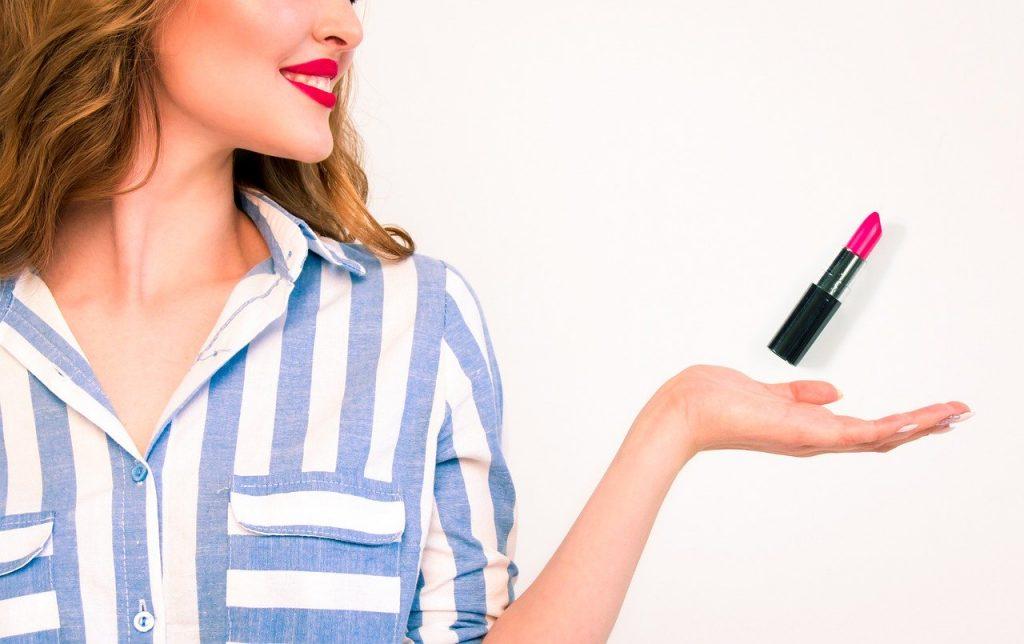 Come fare lo stick labbra rosso naturale fai da te